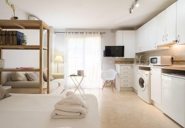 Apartment in Málaga - Studio Pedrega Beach