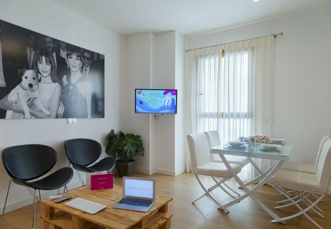Apartment in Málaga - Pompidou Terraza 1B